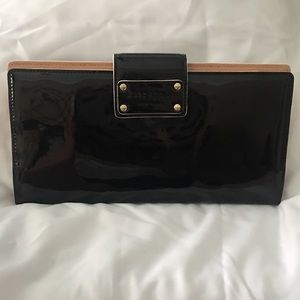 NWOT Kate Spade Pasadena Patent travel wallet